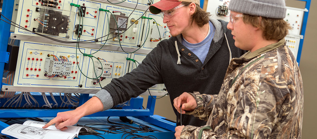 Electrical Construction students at NTC